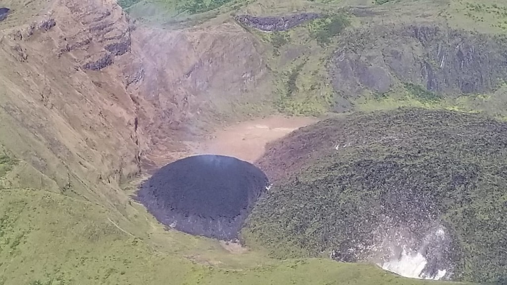 The Volcano on St.Vincent Could Erupt Yet Again, Being Larger Than the Last Time
