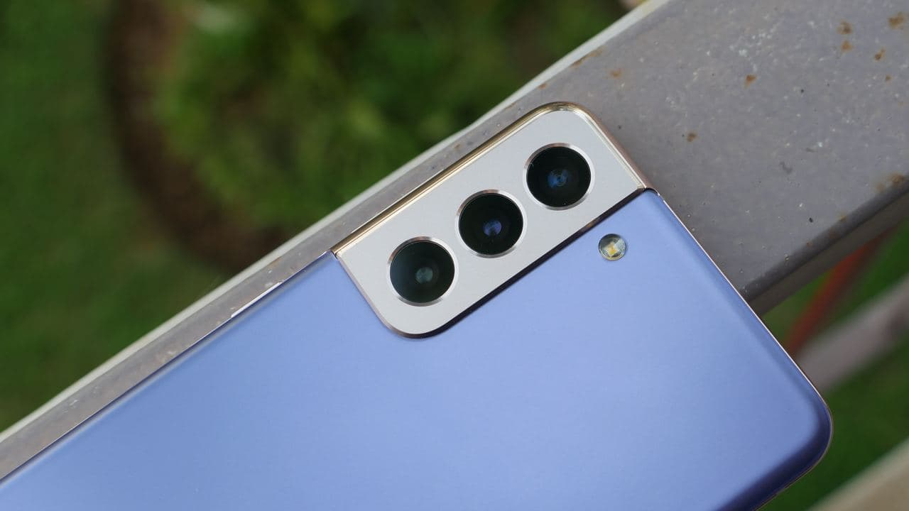 New Update to the Samsung Galaxy S21 Series Optimizes It's Camera and Battery Health